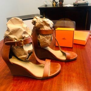 Reaction Kenneth Cole Wedge